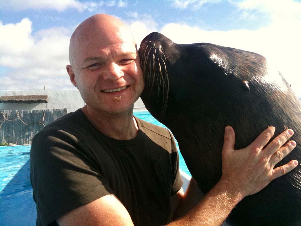 Sebastian Hampl mit Seelöwe auf Gran Canaria